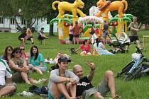 Festival Camp fest v Autokempu Seč Pláž láká na pestrou nabídku hudebních žánrů i bohatý dobprovodný program pro celou rodinu.