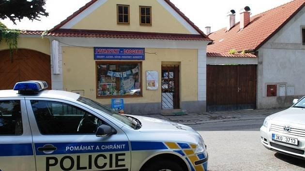 Policisté zavřeli dvě asijské prodejny