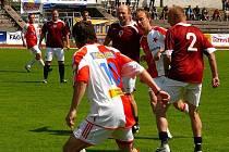 Derby internacionálů Sparty a Slavie Praha se v rámci Žlutomodrého dne Berry zúčastnili i někteří hráči AFK Chrudim.