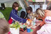 Do Domova dětí  a mládeže v Chrudimi docházejí pravidelně děti z celého okolí za zájmovými kroužky, které nabízejí pestrou škálu volnočasovýách aktivit.