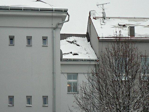 Rekonstruovaný bytový dům v Čelakovského ulici.