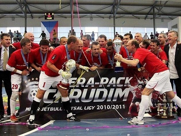 Futsalisté Era-Packu se po rozhodujívím finálovém utkání mohli v Teplicích radovat ze sedmého titulu mistra ČR.