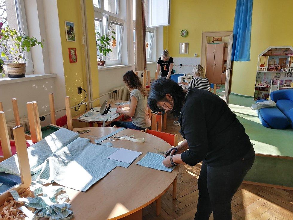 Do výzvy Šije celé Česko se zapojila i Základní škola Bojanov.