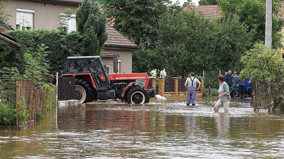 V Přestavlkách bojují s velkou vodou.