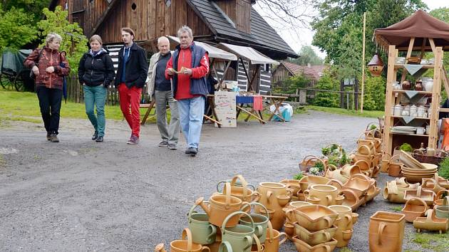 Hrnčířská sobota ve skanzenu na Veselém kopci.