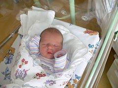 JAKUB PRUŠEK (2,72 kg a 46 cm) je od 8.6. od 14:45 jméno prvního miminka Anety a Jakuba z Heřmanova Městce.