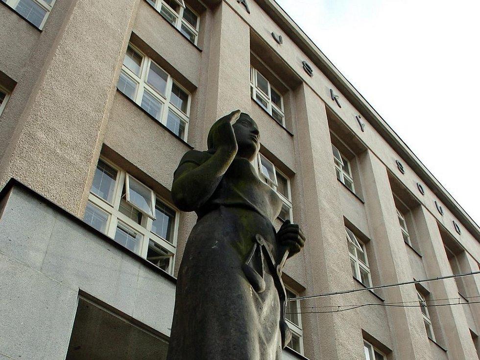 Budova Krajského soudu v Hradci Králové.