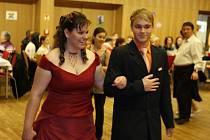 Michal Picek pomáhá i tancem.