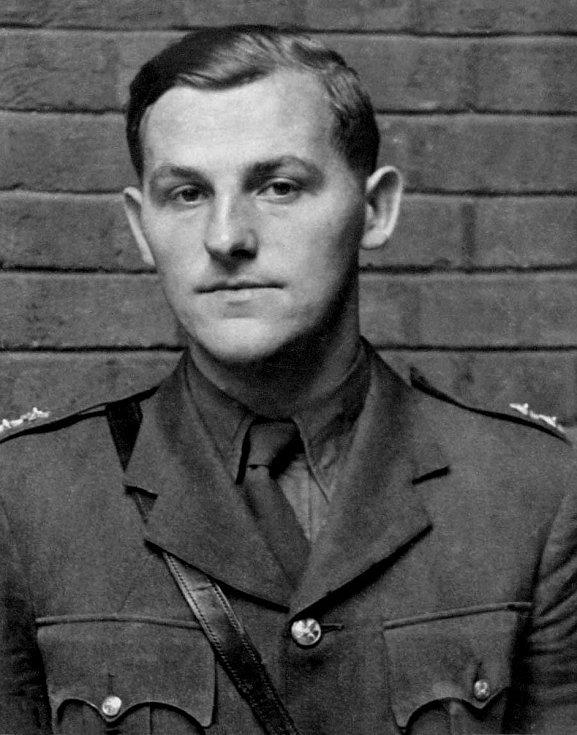 Nadporučík Adolf Opálka (4. 1. 1915 - 18. 6. 1942).