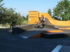 Skate and bike park v Nasavrkách byl slavnostně otevřen první den nového školního roku.