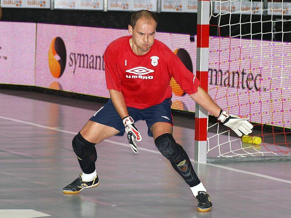 Brankář Era-Packu Tomáš Meller.