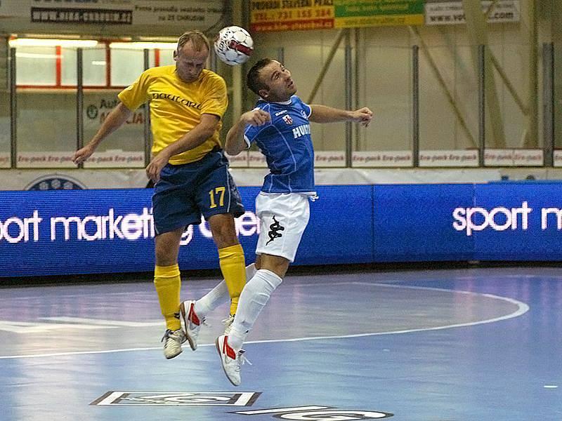 Z utkání UEFA Futsal Cupu Hurtap Leczyca - Nautara Kaunas.