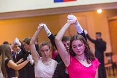 Večery ve slatiňanské sokolovně patří tanečním kurzům.