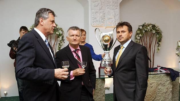 Futsaloví mistři přijali pozvání od starosty.