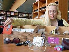 Brýle, peněženky nebo klíče patří mezi nejčastěji ztrácené předměty.