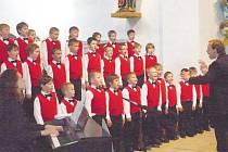 Zpěváci z chrudimského přípravného oddělení Chlapeckého sboru BONIFANTES se v Muzeu barokních soch poprvé představili domácímu publiku.