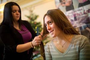 223 tisíc korun korun vynesl první pardubický charitativní vánoční jarmark pro onkologicky nemocné děti.