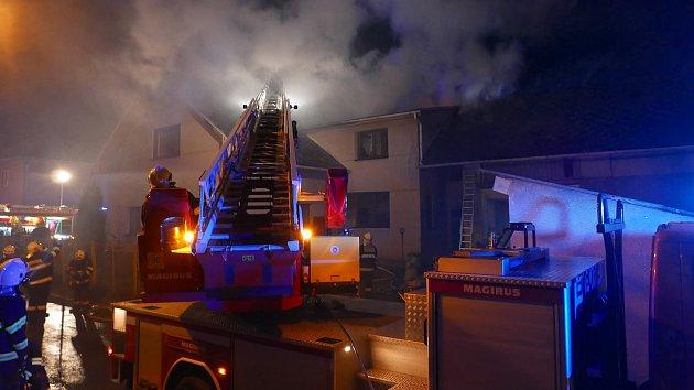 Požár rodinného domu v Píšťovech