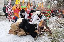 Tradiční masopustní obchůzka ve Žlebských Chvalovicích.