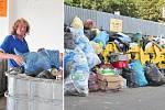 Chrudimák ukládá odpad. Vpravo část plastového odpadu přivezeného do dvora během pouhých dvou dnů.