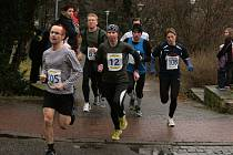Účastníci Novoročního běhu Josefa Poupěte se vydali na čtyřkilometrovou trať.