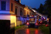 V noci na první září bojovali hasiči s rozsáhlým požárem, který vypukl v Domově pro seniory v Heřmanově Městci.
