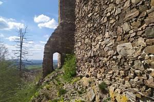 Hrad Lichnice u Třemošnice je otevřen. Navštívit můžete rozhlednu, která nabízí pěkný výhled do okolí.