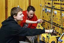 """Studenti chrudimské """"strojárny"""" získávají ve škole dovednosti i zkušenosti pro práci v oboru."""