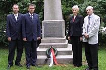 Chrudimská delegace položila u hrobu Josefa Ressela květiny.