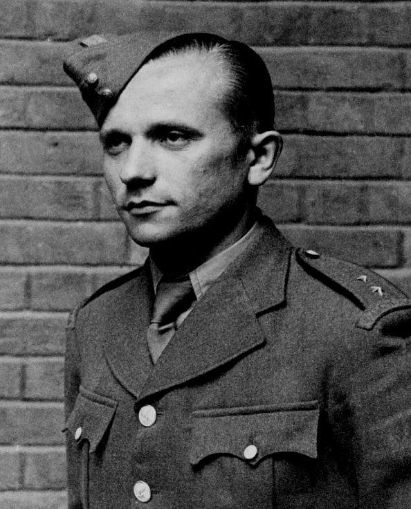 Rotmistr Josef Gabčík (8. 4. 1912 - 18. 6. 1942).