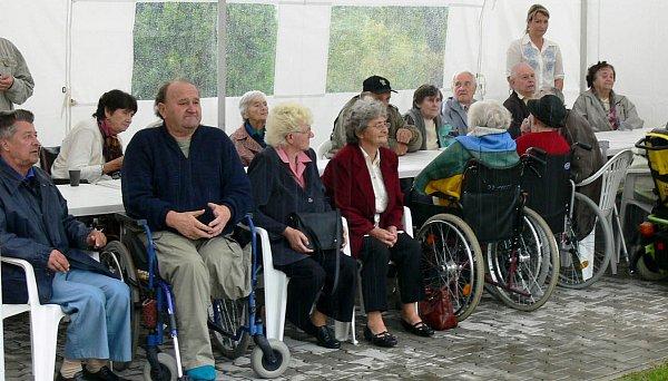 Oslavy desátého výročí založení senior centra ve Skutči