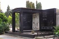 Popperova hrobka už patří městu. Oprava ale nebude levná.
