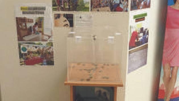 V chrudimském nákupním centru Tesco můžete přispět do sbírky nebo shlédnout propagační materiály.