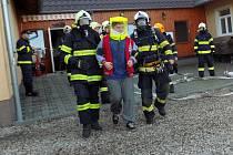 Cvičení hasičů v penzionu Žlebská Lhotka