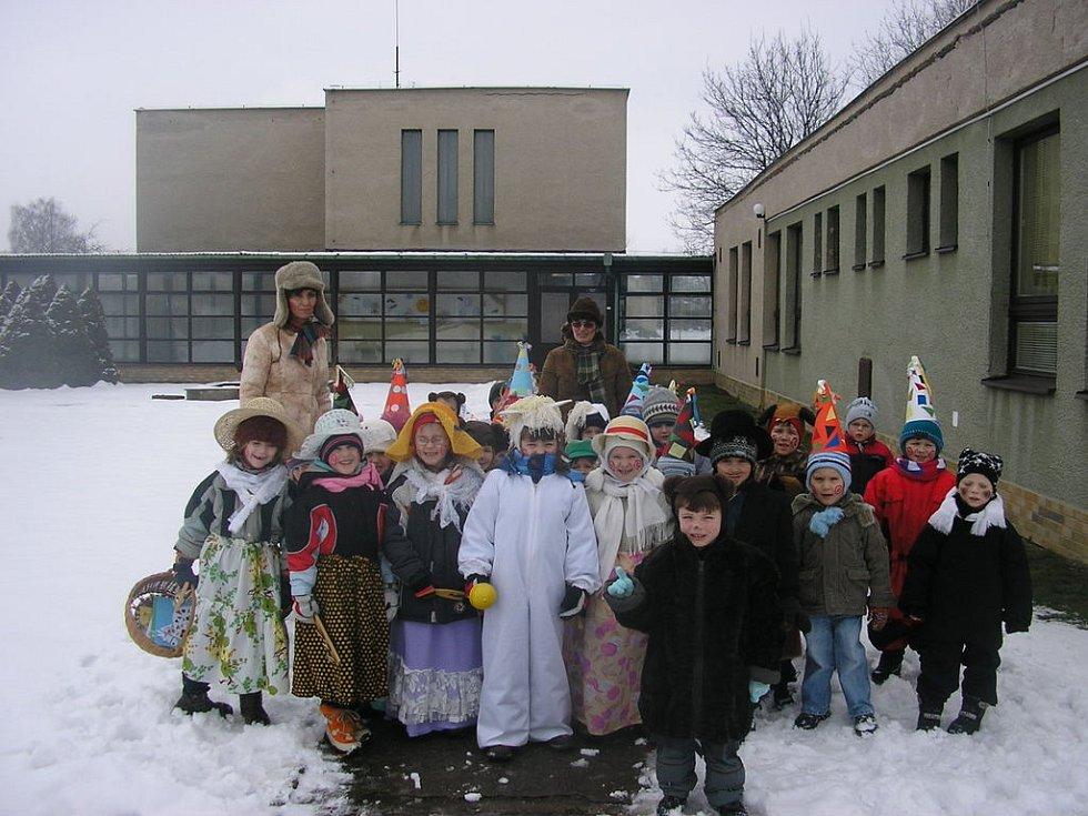 KLUCI A HOLČIČKY si masopust užili, v sobotu navléknou v Rosicích masky dospělí.