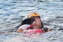 Vodní záchranáři a hasiči trénovali u Sečské přehrady