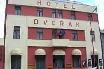 26. Hotel Dvořák, Chrast.