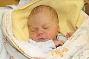 Matěj Suchý (2,97 kg a 52 cm). Takové jméno vybrali pro své první miminko Markéta a Tomáš Suchý z Pardubic. Na svět přišel 11. 11. v 14:15.