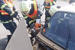 Při nehodě v Chroustovicích se zranilo pět lidí.