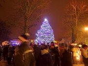Rozsvícení vánočního stromu v Seči.