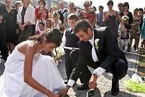 Fotbalista David Lankaš vstoupil v sobotu do svazku manželského s Kateřinou Novákovou. Blahopřejeme!