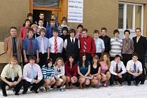 STUDENTY PRVNÍHO ROČNÍKU pedagogického lycea se sportovním zaměřením vede jako třídní učitel renomovaný  a zkušený fotbalový trenér Ludvík Zajíc.