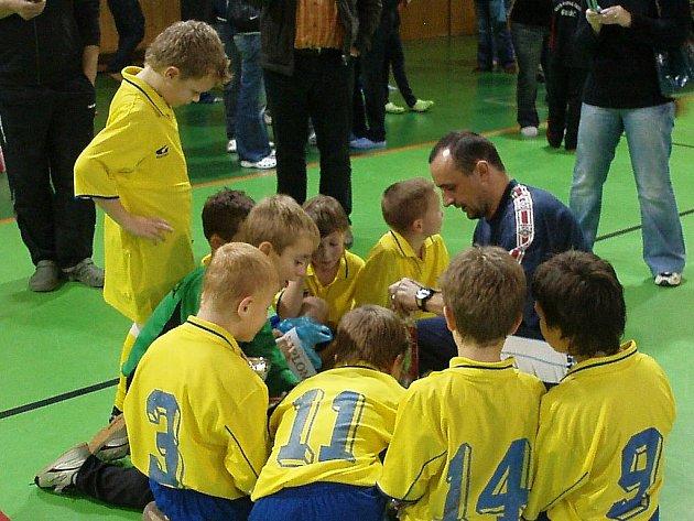 Fotbalová přípravka AFK Chrudim ročník narození 2001 vyhrála turnaj v Třebíči.