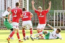 Z fotbalového utkání krajského přeboru Hlinsko – FK Pardubice B 2:4.