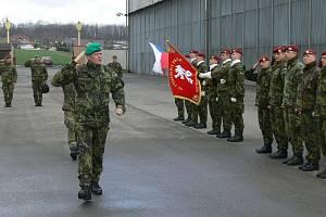 Náčelník Generálního štábu Armády České republiky Josef Bečvář navštívil chrudimské výsadkáře.