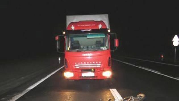 Policie hledá svědky dopravní nehody.