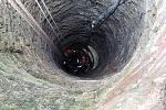 V Blížňovicích spadl do studny býk