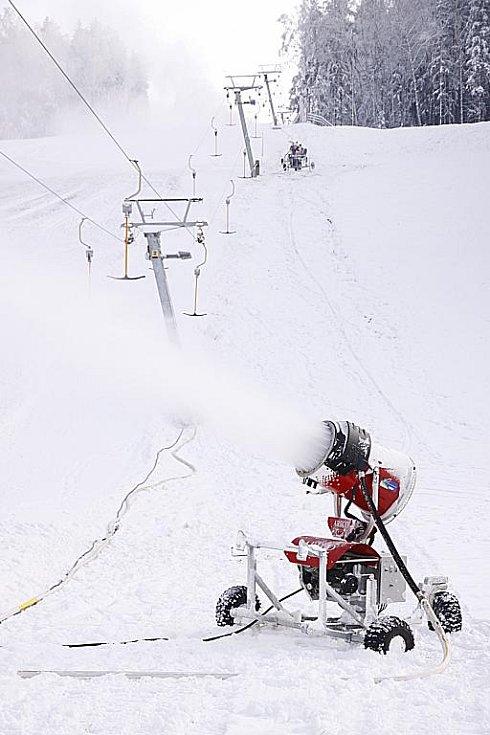 Na hlinecké sjezdovce začala nová lyžařská sezona.