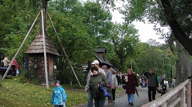 Skanzen na Veselém Kopci je častým cílem turistů.