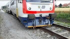 Vlak vykolejil ve stanici, nehoda se obešla bez zranění